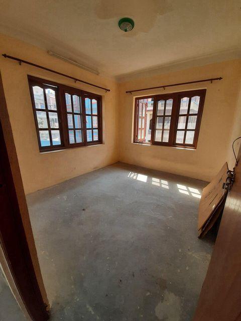 3 rooms, 1 living, kitchen, bathroom flat