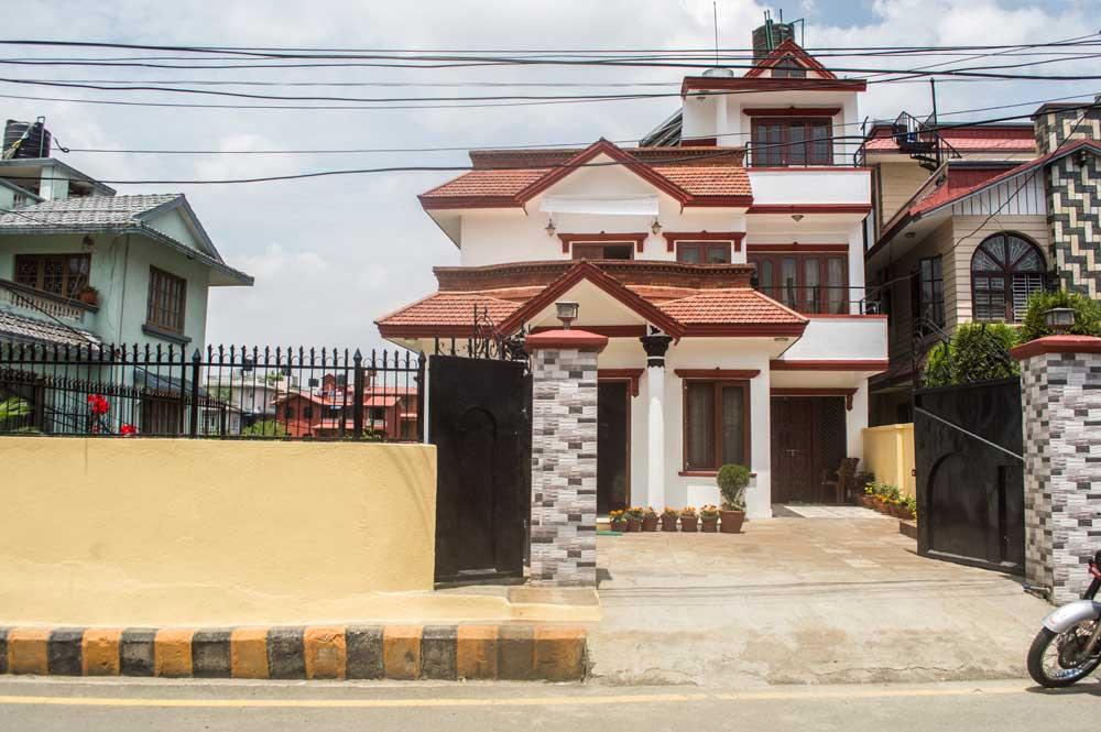 Modern house on 10 aana land