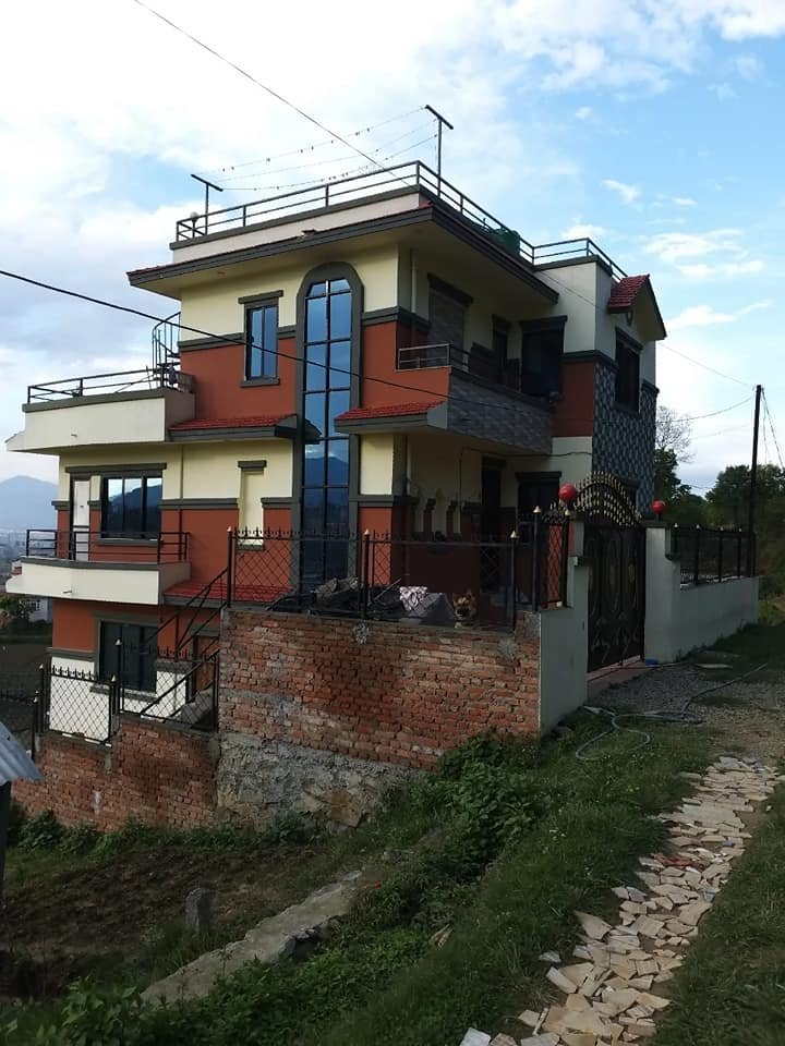 2 and half storeyed house with 6 aana land