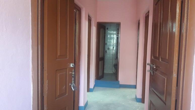 3 rooms, kitchen, bathroom flat
