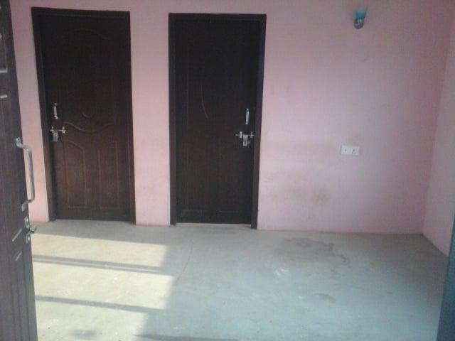 1 bedroom, 1 living room, kitchen, bathroom flat